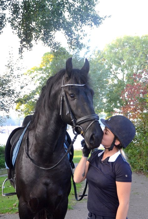 Treasure is sold to Miss. Maria in Italia - Congratulations with this lovely personality!!